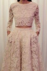 Beautiful non traditional wedding dress ideas 49