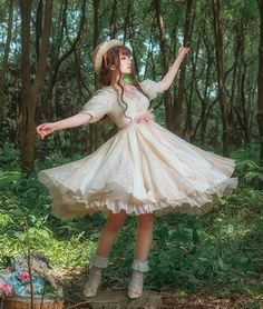 LolitaWardtobe - Bring You the latest Lolita dresses, coats, shoes, bags etc from Trustworthy Taobao indie Brands. We never resell Lolita items from untrustworthy Taobao stores. Kawaii Fashion, Lolita Fashion, Cute Fashion, Vintage Fashion, Rock Fashion, Classic Fashion, Emo Fashion, Classic Style, Style Fashion