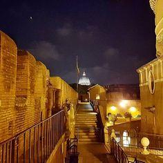 Essa vista noturna do Castelo Sant'Angelo me deixou de boca aberta!  .