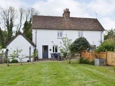 PRIMROSE COTTAGE - PRRD: 3 bedroom property in All Surrey. Pet friendly. Holiday Lettings, Surrey, Shed, Outdoor Structures, Cabin, Bedroom, Pets, House Styles, Cottages