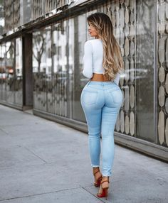 Jeans @ymijeans 💙 Ph @alotofblurryhere