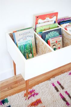 Keep Kids Organized and Curious With This DIY Book Bin Katie Loves …this functional and fashionable book bin for a kids bedroom or playroom. A set of mid century modern table legs and beautiful wallpaper make this version stand out. Toy Rooms, Kids Rooms, Ikea Kids Room, Kids Room For Girls, Play Room For Kids, Ikea Toddler Room, Ikea Kids Table, Study Room Kids, Kid Spaces