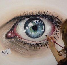Reaslitic eye painting
