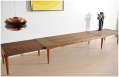 Grandaddy of all expanding slat tables - Expanding slat bench – exactly what I want for a coffee Folding Furniture, Space Furniture, Diy Furniture, Modern Furniture, Furniture Design, Transforming Furniture, Furniture Making, Home Staging, Apartment Design