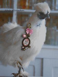 Bijou de sac Porte clefs romantique et rétro Fête des mères - Cabochon résine - Perles magiques - Breloques : Autres bijoux par fibule-et-cabochon
