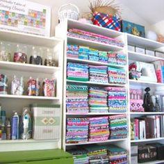 Sewing Room Organization {Craft & Sewing Room} - Tip Junkie  Oh heavens.....LOVE LOVE LOVE THIS ROOM!