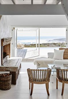 Beach Cottage Style, Beach House Decor, Home Decor, Coastal Style, Style At Home, Contemporary Beach House, Contemporary Style, Living Comedor, Living Spaces