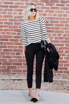 Striped t-shirt + black pants  [ #stripes #outfitideas #righe ]