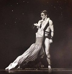 Carla Fracci and Mikhail Baryshnikov perform in the American Ballet Theatre's production of 'Medea' (by John Butler, with music by Samuel Barber), Ballet Poses, Male Ballet Dancers, Dance Ballet, Dance Photos, Dance Pictures, Tango, History Of Dance, Margot Fonteyn, Vintage Ballet