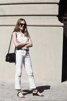 How to wear white jeans spring simple Ideas for 2019 All White Outfit, White Outfits, Simple Outfits, Summer Outfits, Casual Outfits, How To Wear White Jeans, How To Wear Culottes, Minimal Outfit, Smart Outfit