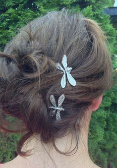 Hey, I found this really awesome Etsy listing at http://www.etsy.com/listing/154301160/dragonfly-bobby-pins-set-of-two-antique
