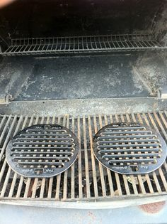 Turn your rusted grate or wire rack into a gourmet cooking machine. Forget that harmful Aluminum Foil or those wire brushes which is like trying to brush a cavity from your teeth. The taste is 10x better which wins the battle anyway + giving ya a health benefit of adding iron to your diet.