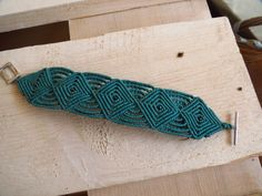 Brazalete de macrame turquesa, estilo celta. Macrame bracelet celtic stile de the4lmnts en Etsy