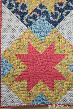 Quilty Love | North Star Quilt – Daisy Days Blog Tour | http://www.quiltylove.com