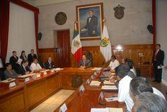 El Gobernador de Veracruz, Javier Duarte de Ochoa, asistió a Reunión con integrantes de la Central Campesina Internacional (CCI), que se llevó a cabo el 10 de abril de 2012 en Sala Banderas de Palacio de Gobierno, donde dialogaron sobre diversos temas de interés para la sociedad veracruzana.