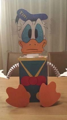 Sinterklaas surprise Donald Duck