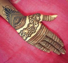 Mehendi – The word itself says all in regards to traditional practice of making Henna tattoos on hands or legs, … Mehandi Design For Hand, Khafif Mehndi Design, Indian Mehndi Designs, Mehndi Designs For Girls, Modern Mehndi Designs, Mehndi Design Pictures, Wedding Mehndi Designs, Mehndi Designs For Fingers, Beautiful Mehndi Design
