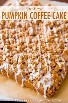 An incredibly moist and flavorful spiced-pumpkin coffee cake, piled high with a . - Pumpkin Recipes and Other Fall Yummies - Kuchen Köstliche Desserts, Delicious Desserts, Dessert Recipes, Yummy Food, Recipes Dinner, Tasty, Pumpkin Coffee Cakes, Pumpkin Dessert, Pumpkin Pie Coffee Cake Recipe