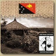 Équitable Bio - Papouasie Nouvelle Guinée  Le Papouasie Nouvelle Guinée partage beaucoup le goût unique du Café BLUE MOUNTAIN Jamaïquain et est un café doux et très légèrement acide avec un corps léger. 454g (1 lb)  Prix: 11,75 $