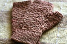 Ravelry: Project Gallery for Antiquity pattern by Alicia Plummer