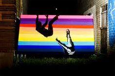Yarn Bombing meets spray & stencils