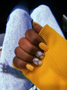 VSCO - levendalexox (With images) Summer Acrylic Nails, Best Acrylic Nails, Acrylic Nail Designs, Simple Acrylic Nails, Spring Nails, Stylish Nails, Trendy Nails, Super Cute Nails, Broken Nails