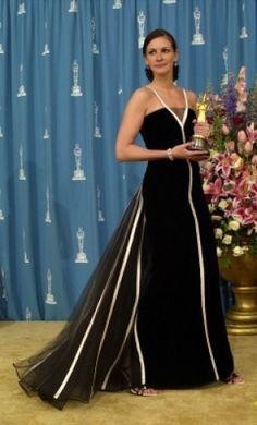 Julia Roberts Oscar winner in vintage gown