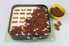 Sernik z krówkami przepis – Zobacz na przepisy.pl Tiramisu, Ale, Mango, Cheesecake, Sweets, Baking, Ethnic Recipes, Food, Drink
