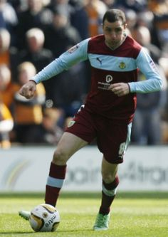 Clarets midfielder Dean Marney has today signed a new two-year deal at Turf Moor.