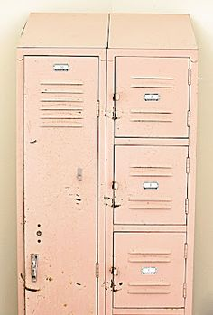 Salvaged & Repurposed: Vintage Lockers Salvaged & Repurposed: Vintage Lockers Dishfunctional Designs: Salvaged & Repurposed: Vintage Lockers<br> Creative ideas in crafts and upcycled, innovative, repurposed art and home decor. Vintage Lockers, Metal Lockers, Pretty In Pink, Pink Love, Pale Pink, Perfect Pink, Industrial Chic, Vintage Industrial, Industrial Storage