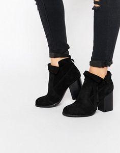 86 Best Chaussures à talons images   Boots, Beautiful shoes, Fashion ... d186096da073
