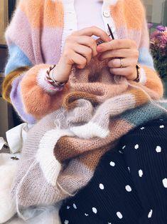 Hand Knitted Sweaters, Mohair Sweater, Baby Knitting Patterns, Free Knitting, Make Your Own Dress, Knitwear Fashion, Cardigan Pattern, Crochet Yarn, Orange Cardigan