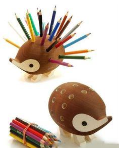 Hedgehog pen holder
