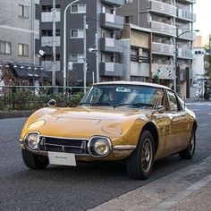Toyota – One Stop Classic Car News & Tips Toyota 2000gt, Toyota Corolla, Classic Japanese Cars, Best Classic Cars, Toyota Cars, Toyota Supra, Retro Cars, Vintage Cars, Jaguar
