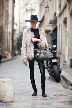C'est Vogue: the prevailing fashion, practice, or style: LATEST OF STREET STYLE INSPIRATION
