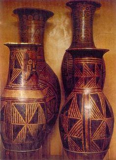 Anforas con pintura negativa - Nariño Colombian Art, Patterns, American, Inspiration, Log Projects, Spirituality Art, Spirituality, Vases, Earth