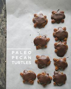 PALEO PECAN TURTLES // The Kitchy Kitchen