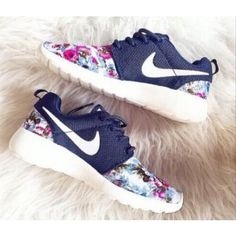 Nike Roshe Run London Olympics Trainers Floral Navy Mens Womens