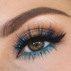 35c6eed9dff Obsessed with this makeup look and the lashes do you like it? If you want