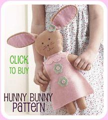 A felt Bunny.love the felt dress Felt Diy, Felt Crafts, Little Doll, Little Girls, Somebunny Loves You, Hunny Bunny, Felt Bunny, Felt Patterns, Sewing Toys