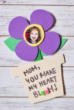 A sweet kid-made photo flower craft just for mom on her special day! Whether you're looking for a fun spring kid craft or a Mother's Day card idea, these dancing foam flowers are perfect! Easy to make with simple supplies!
