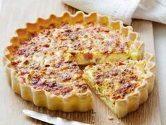 The best Quiche recipes - from classic quiche Lorraine to our delicious Leek and camembert quiche recipe, we've got the right quiche recipes for you Quiches, Bacon Egg Bake, Gourmet Recipes, Cooking Recipes, Easy Quiche, Brunch, Good Food, Yummy Food, Breakfast Quiche