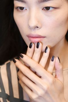 Loving this black, graphic nail glance from Vera Wang S/S 2017.