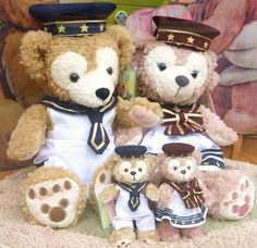 Duffy & Shellie May's new costume at Disney Sea