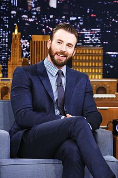 Captain America Winter Soldier Jacket (Steve Rogers Costume) Stylish and adorable Chris Evans. Christopher Evans, Chris Evans Bart, Chris Evans Funny, Robert Evans, Captain America Jacket, Captain America Winter, Capt America, Steve Rogers, Capitan America Chris Evans