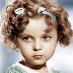 Shirley Temple, the curly-haired child star who put smiles on the faces of Depression-era moviegoers, has died age 85 Child Actresses, Actors & Actresses, Classic Actresses, Vintage Hollywood, Classic Hollywood, Hollywood Divas, Hollywood Glamour, Hollywood Stars, Santa Monica
