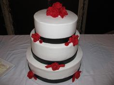 red black and white wedding cake | Bichelle's blog: The red rose petals & candles