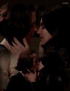 Sanvers - Alex Danvers x Maggie Sawyer - Supergirl - kiss