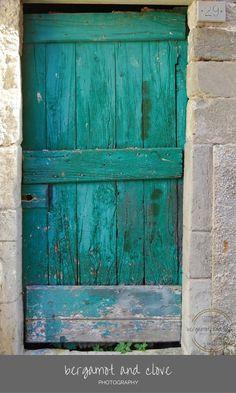 Ideas for open door photography rustic Teal Door, Turquoise Door, Rustic Wall Art, Rustic Walls, Texture Photography, Rustic Photography, Travel Photography, Italian Doors, Italian Farmhouse