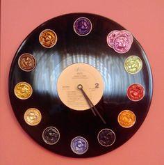 Manualidades día del padre para niños: reloj con cápsulas nespresso. Idea original para regalar al papá reciclando un disco viejo y cápsulas no  Capsulas